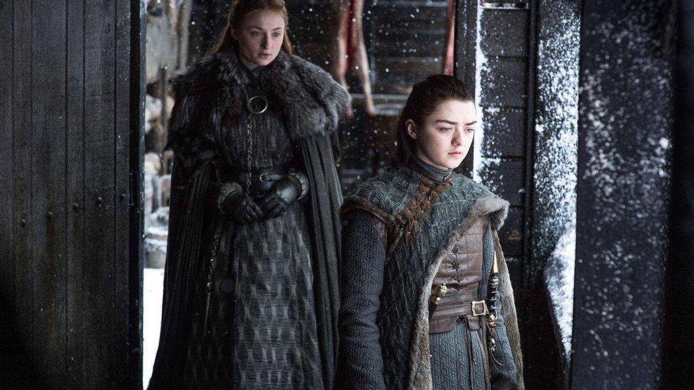 Sansa y Arya Stark, reunidas en la séptima temporada de 'Juego de Tronos'. (HBO)