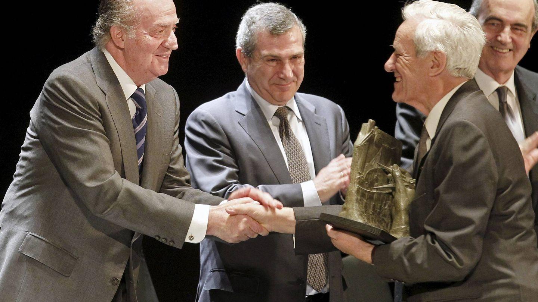 En 2011, el Rey entregó al ingeniero suizo Giovanni Lombardi uno de los premios 'José Entrecanales Ibarra', de Ingeniería Civil y Cooperación al Desarrollo. (EFE)