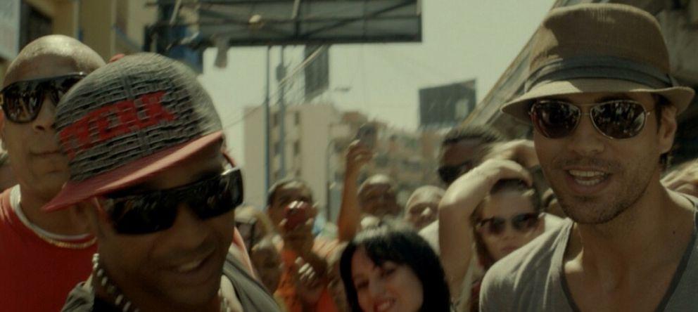 Foto: Enrique Iglesias en un fotograma del vídeo de 'Bailando'