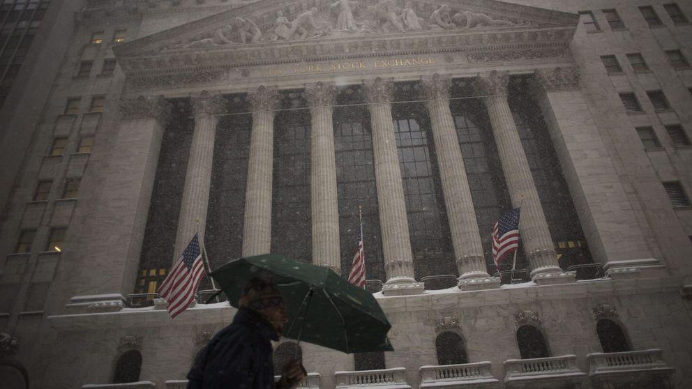 El miedo a la recesión abre un boquete de 17 billones de euros en las bolsas