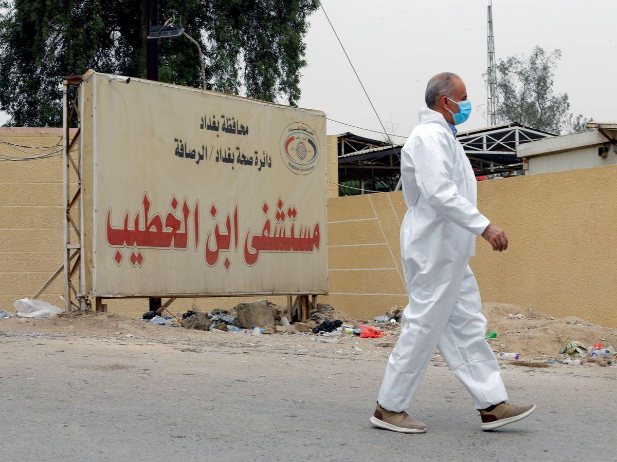 Foto: Entrada del hospital Al Jatib de Bagdad, donde se declaró un incendio en abril. (Reuters)