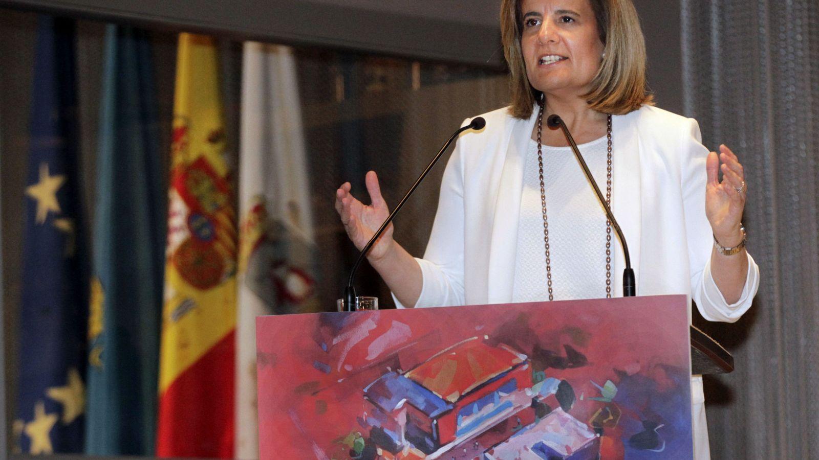 Foto: Fátima Báñez asume la cartera de Sanidad en sustitución de Alfonso Alonso (Efe).