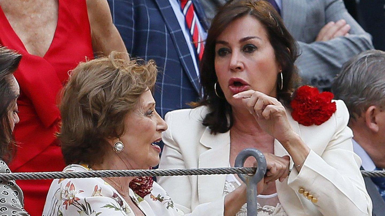 Bordiú con su madre, Carmen Franco, en una imagen de archivo. (EFE)