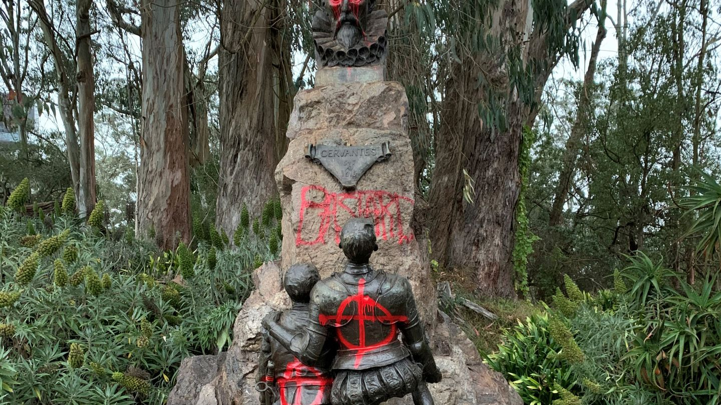 Miguel De Cervantes memorial is vandalised with red spray paint, in San Francisco, California, U.S. June 19, 2020, in this picture obtained from social media. Picture taken June 19, 2020. David Zandman via REUTERS THIS IMAGE HAS BEEN SUPPLIED BY A THIRD PARTY. MANDATORY CREDIT. NO RESALES. NO ARCHIVES.