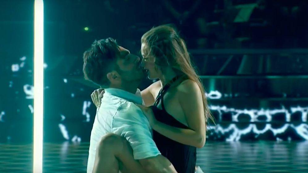 Foto: La pareja haciendo su actuación 'Crazy in love'. (TVE)