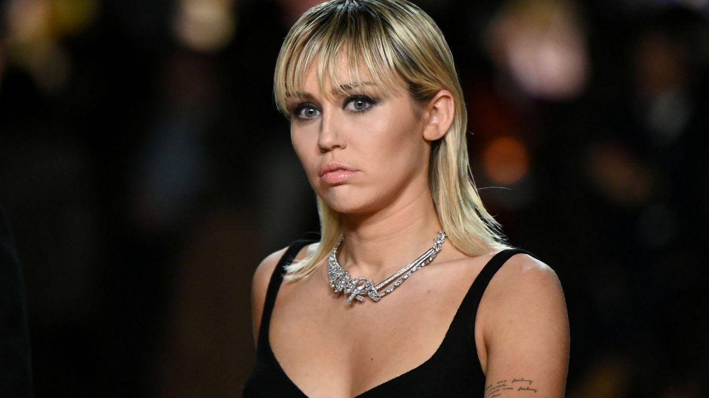 Miley Cyrus, en el desfile de Marc Jacobs de la Semana de la Moda de Nueva York otoño-invierno 2020. (Reuters)