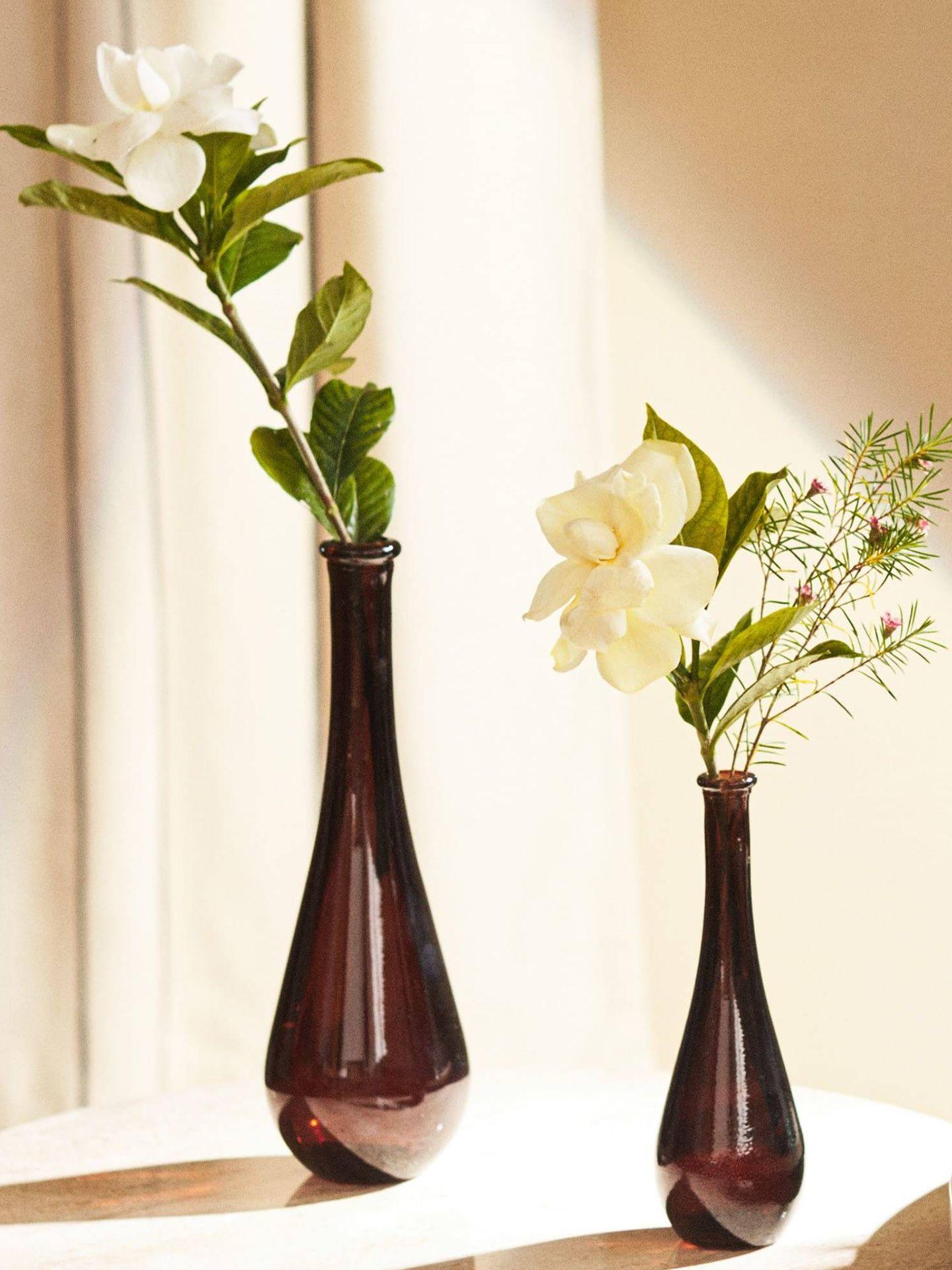Jarrones de Zara Home para decorar con elegancia. (Cortesía)