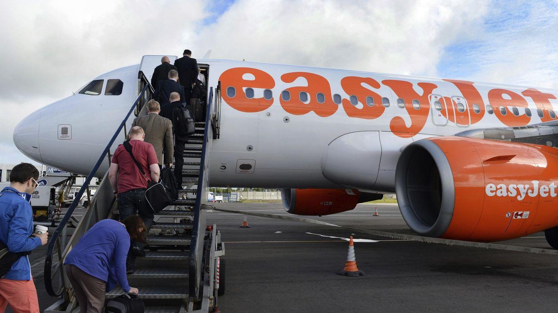 Un avión de la aerolínea de bajo coste británica EasyJet, en Belfast, Reino Unido, en 2013. (EFE)