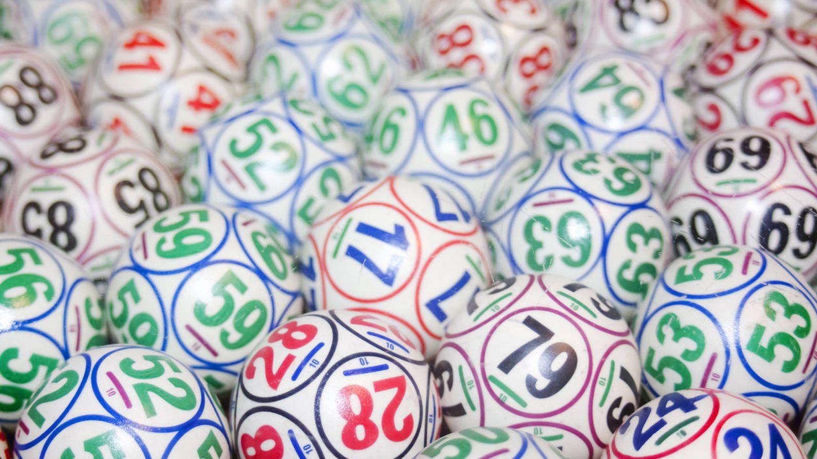 Foto: Bolas de lotería antes de un sorteo. (iStock)