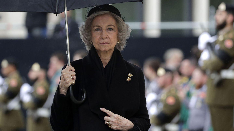 La reina Sofía llega al funeral de Jean de Luxembourg. (EFE)