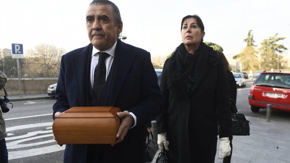 De Jaime Martínez Bordiú a Paloma Cuevas: familiares y amigos despiden a Carmen Franco