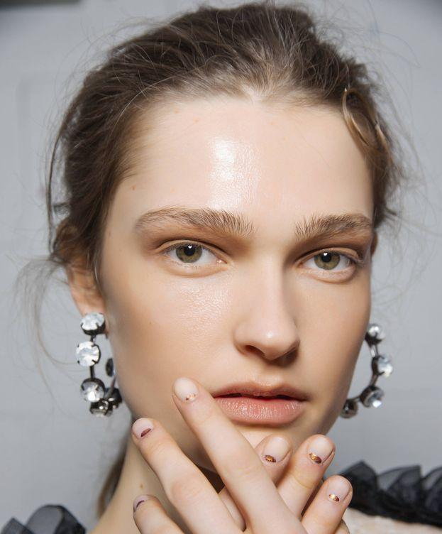 Foto: Manicura para uñas cortas (Imaxtree)