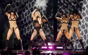 Sevilla enloquece con la Madonna 'gitana'