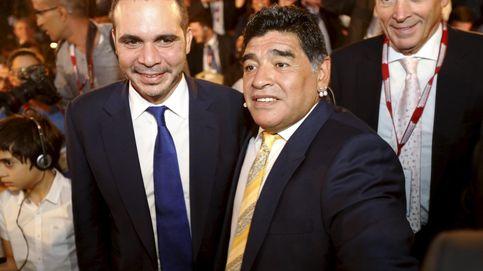 Maradona quiere limpiar la FIFA: Se van a saber muchas más cosas