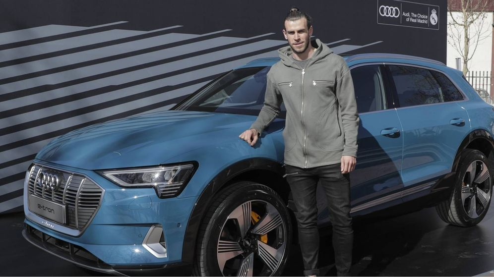 Foto: Gareth Bale con el e-tron 55, el primer coche eléctrico de Audi