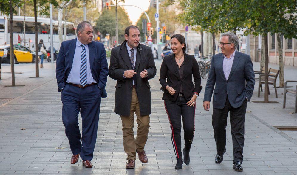 Foto: De izquierda a derecha, Jordi Cerezuela, Ramon Espadaler, Olga Ortiz e Ignasi Rafel, parte de la cúpula de Units per Avançar. (David Brunat)