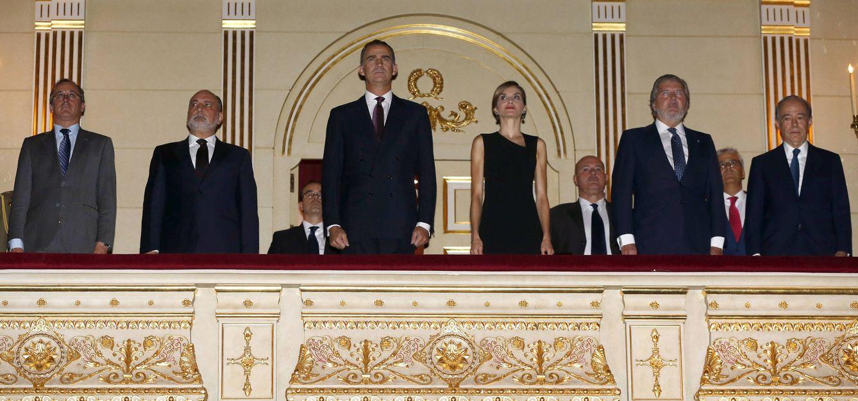Foto: Los Reyes en el palco del Teatro Real (Gtres)