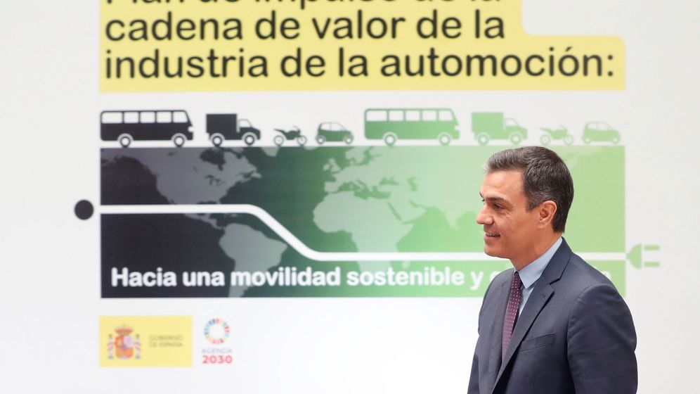 Foto: El presidente del Gobierno, Pedro Sánchez, acude al acto de presentación del Plan de impulso de la cadena de valor de la industria de la automoción (EFE)