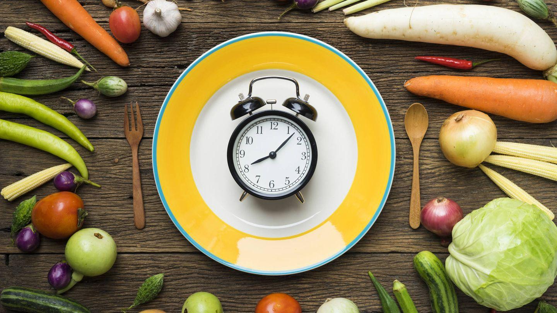 Eya adelantó su hora de cenar para no acostarse llena (iStock)