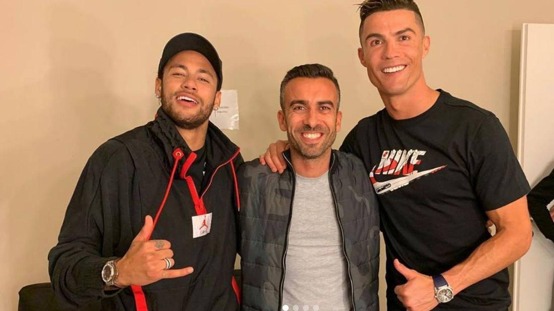 Neymar junto con Cristiano Ronaldo tras grabar un anuncio. (foto vía instagram rickyrefuge)