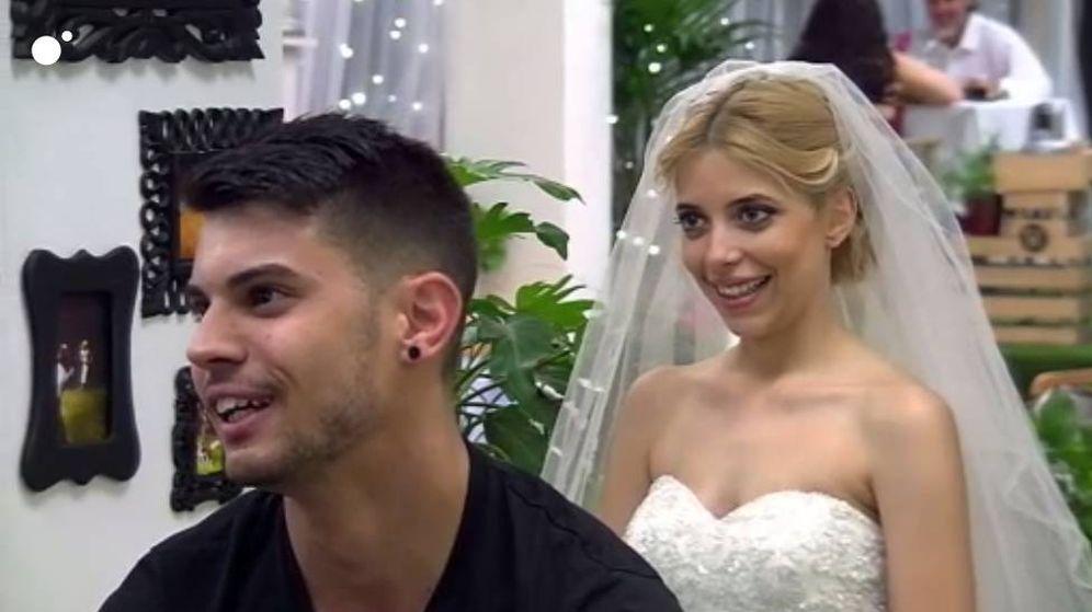 Foto: Natalia sorprende en 'First Dates' al acudir vestida de novia.