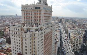 Madrid agiliza el derribo del Edificio España para que Botín lo venda a la china Wanda
