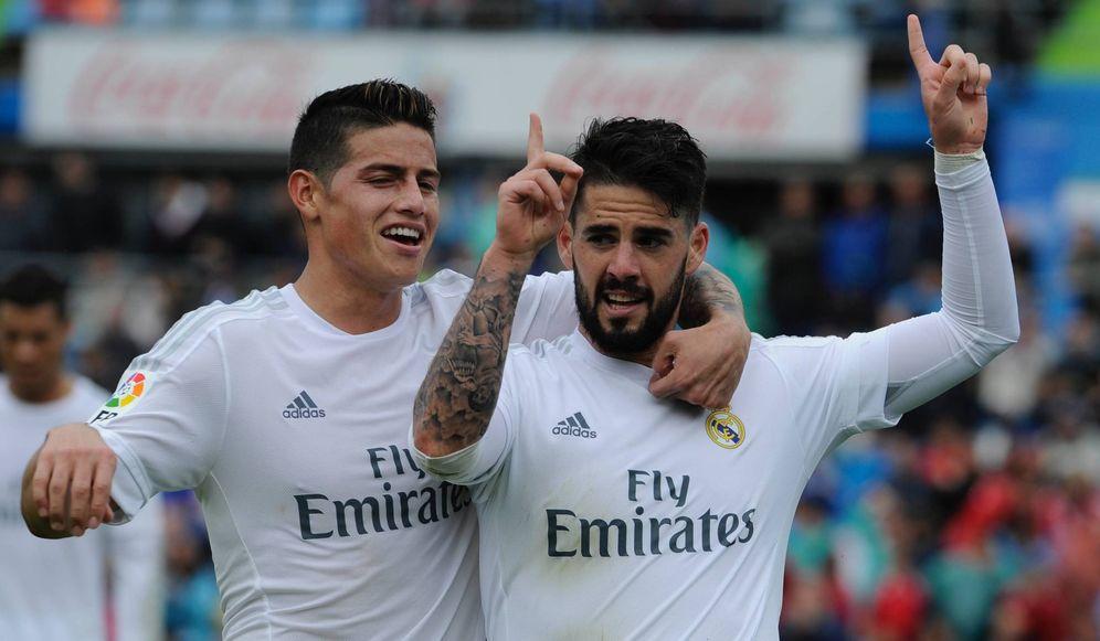Foto: Isco y James Rodríguez, durante un partido del Real Madrid (Cordon Press)
