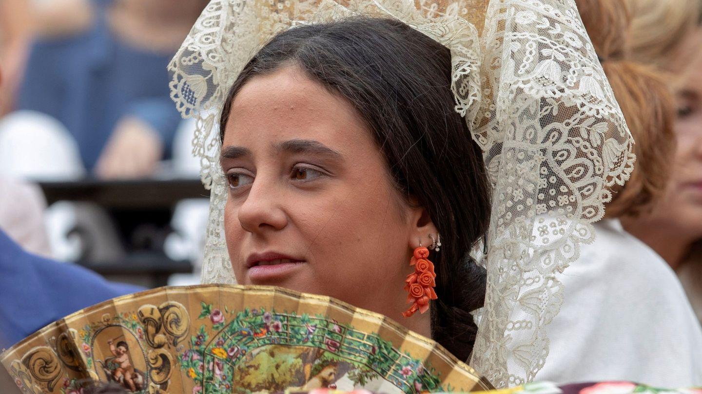 Victoria Federica de Marichalar luciendo una mantilla blanca como madrina de un evento en la plaza de toros de la Real Maestranza de Sevilla. (EFE)