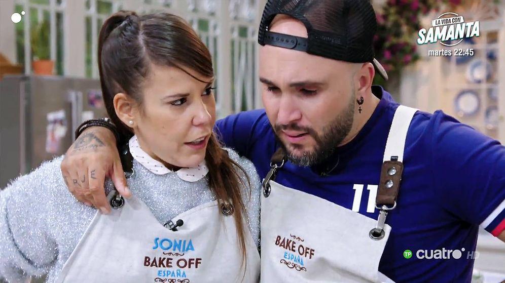 Foto: Kiko Rivera y Sonia en 'Bake Off España'. (Mediaset)