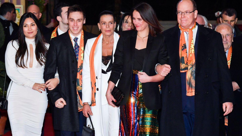 Louis Ducruet y Marie Chevallier (izquierda) junto a Estefanía, Pauline y Alberto de Mónaco. (Reuters)