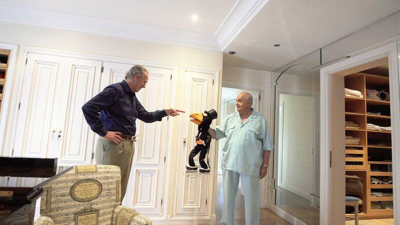 José Luis Moreno y sus muñecos. (Mediaset)
