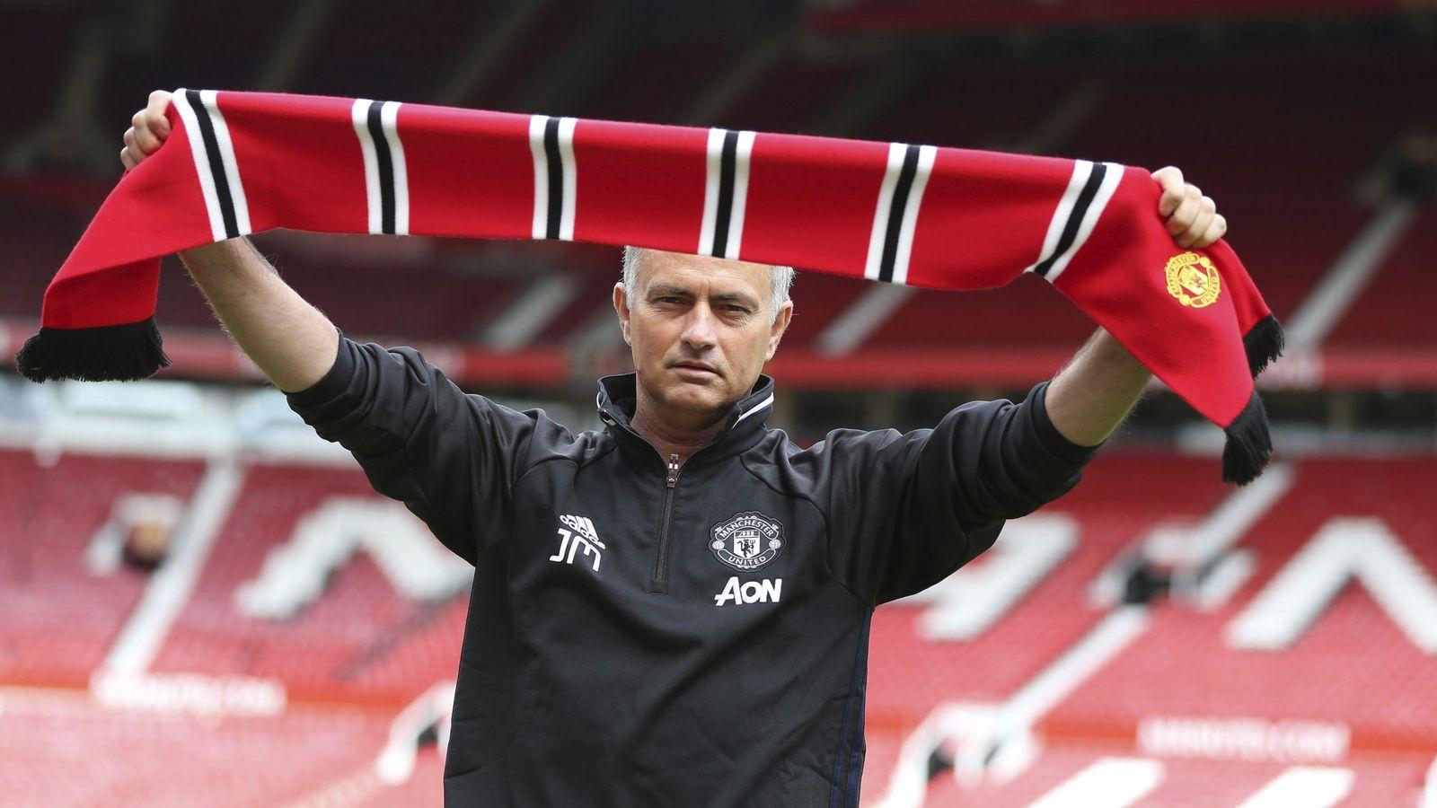 Foto: Mourinho fue presentado como nuevo entrenador del Manchester United (EFE