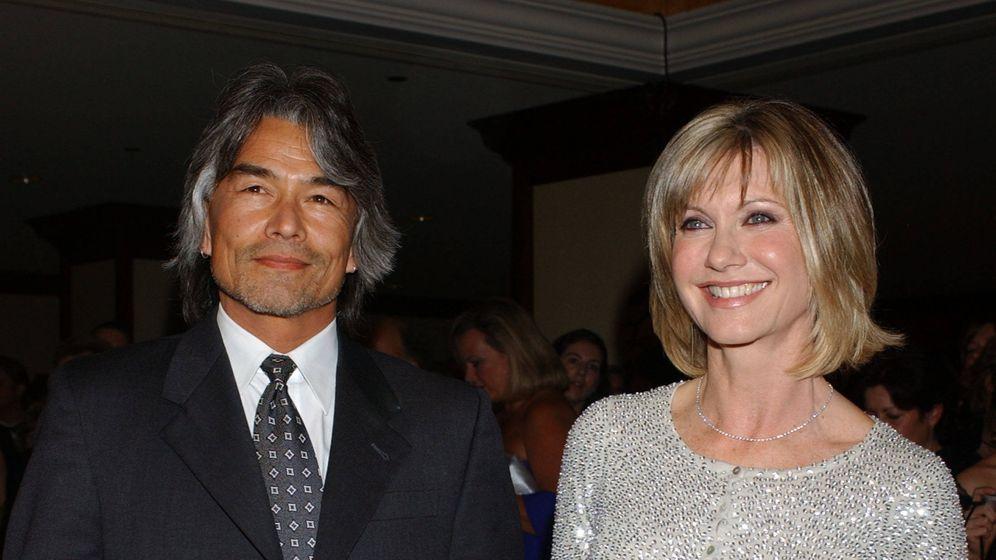 Foto: Olivia Newton John y Patrick McDermott, en una imagen de archivo. (Gtres)