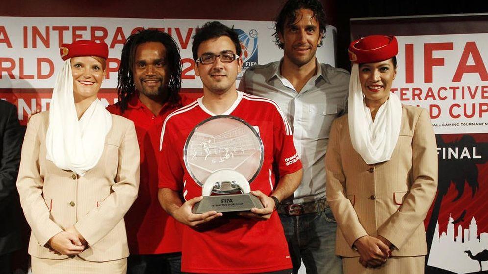 Foto: Alfonso Ramos, ganador del torneo FIFA Interactive World Cup 2012