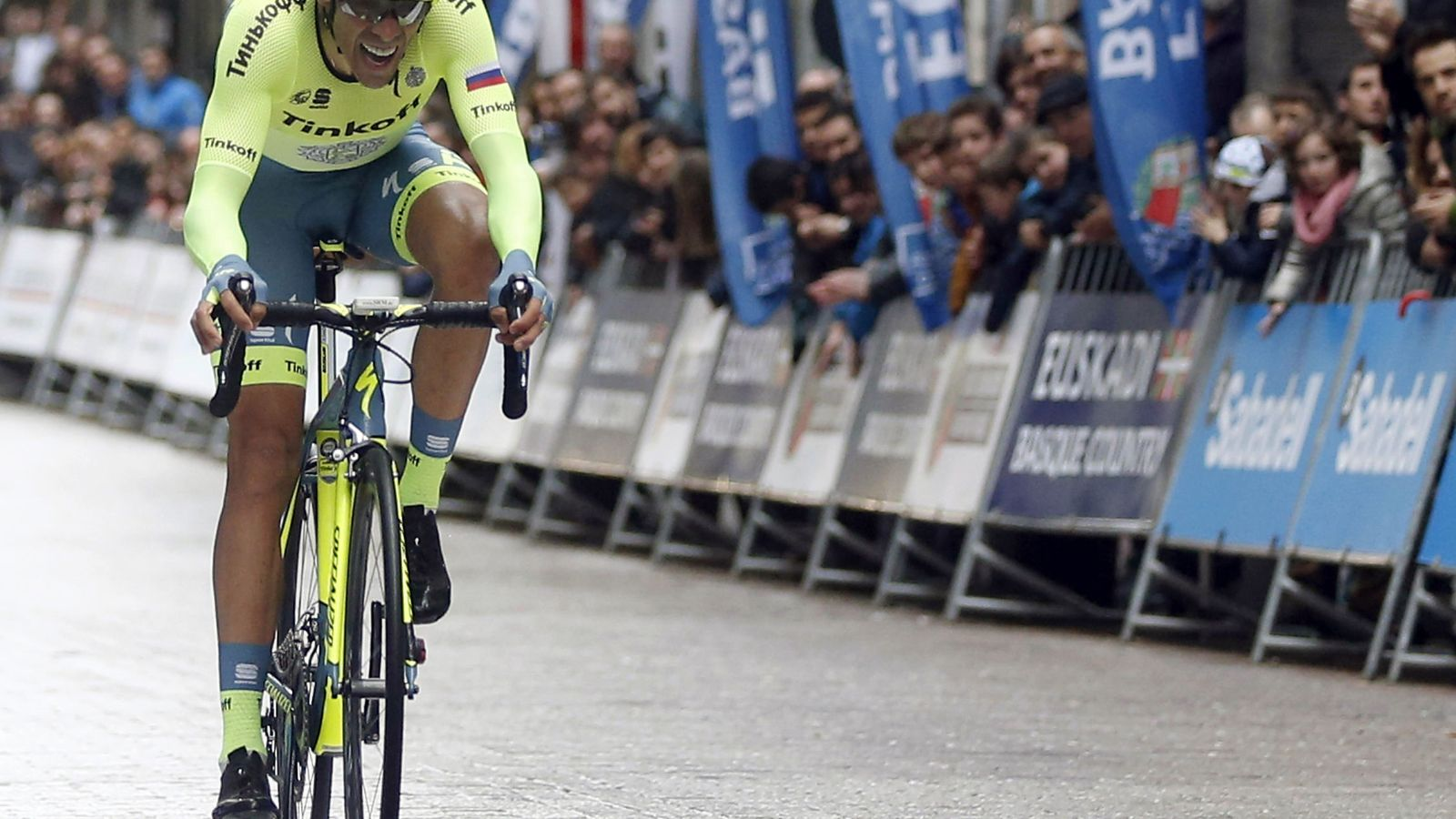 Foto: Contador ganó la Itzulia (Javier Etxezarreta/EFE).