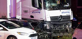 Post de Un ciudadano sirio roba un camión y lo estrella contra ocho coches en Alemania