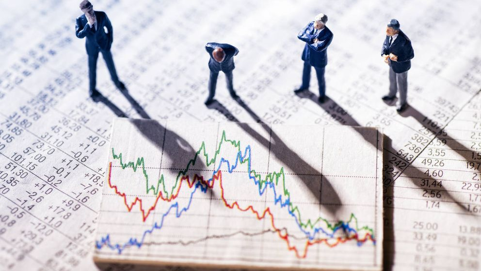 Los bandazos entre la 'V' y la 'W': así ha roto el virus los mercados financieros