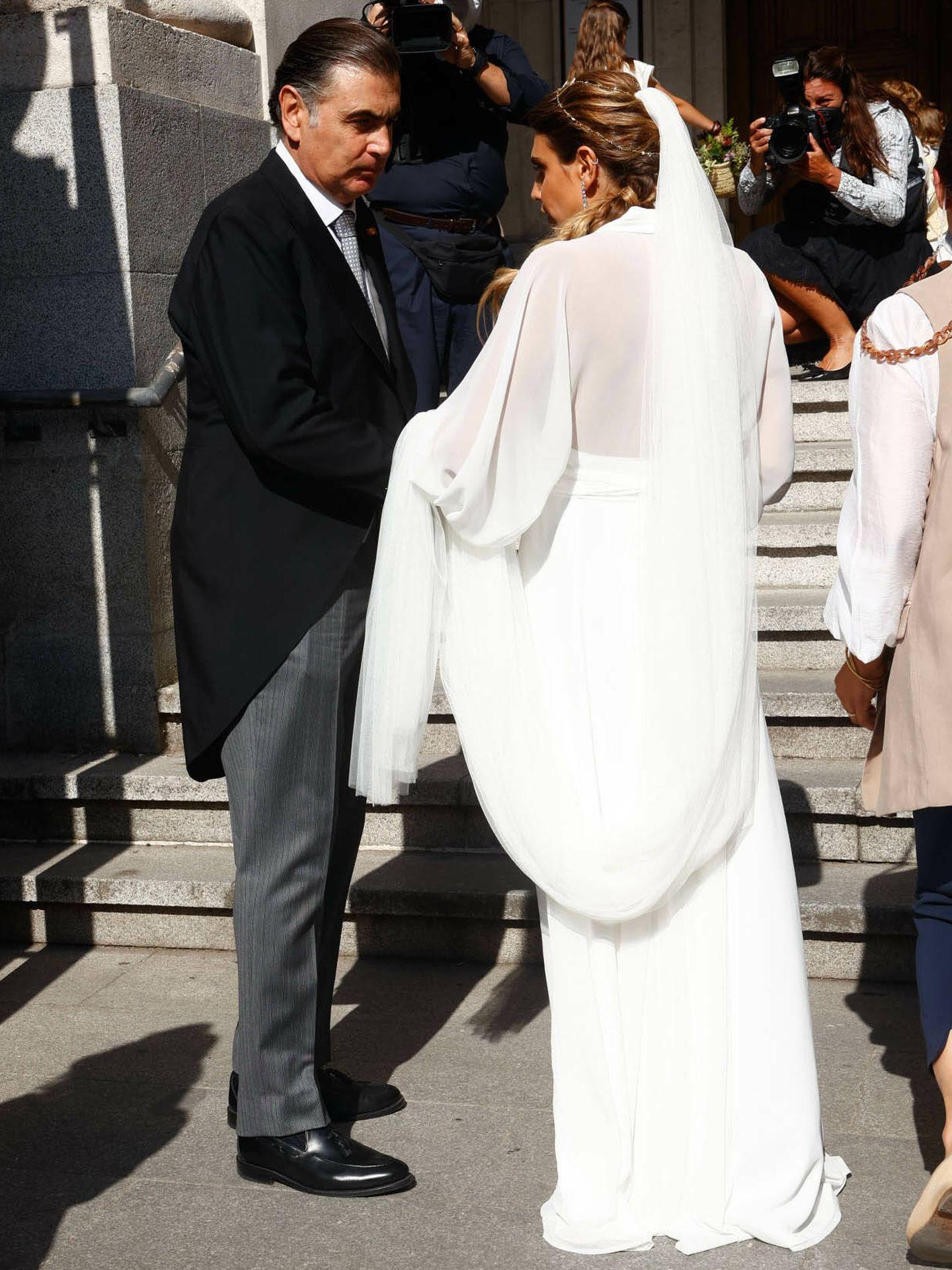 Mónica y su padre, Alejandro Aznar. (Gtres)