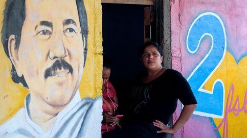 La policía de Nicaragua detiene a la esposa del expresidente Alemán y a un periodista