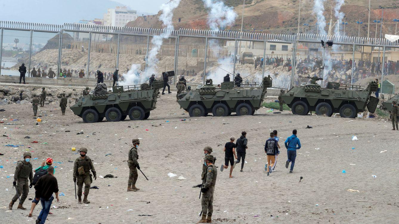 Interior anuncia el envío de otros 200 antidisturbios a Ceuta para controlar la valla