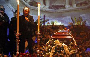 """Estrella Morente: """"Vamos a recurrir la negligencia de la muerte de mi padre"""""""