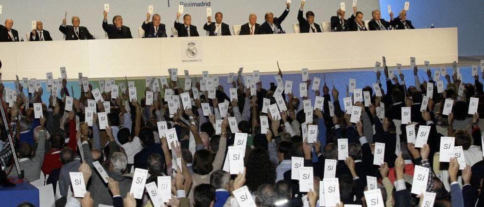 Foto: Vista panorámica de una Asamblea del Real Madrid (EFE)