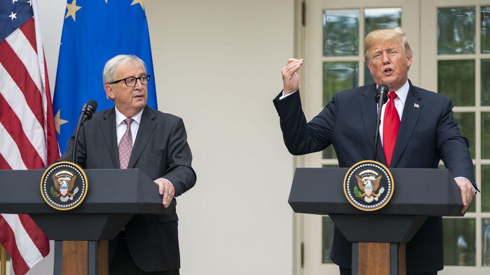 Foto: El presidente de la Comisión Europea, Jean-Claude Juncker, junto a Donald Trump, presidente de EEUU, el pasado 25 de julio en Washington. (EFE)