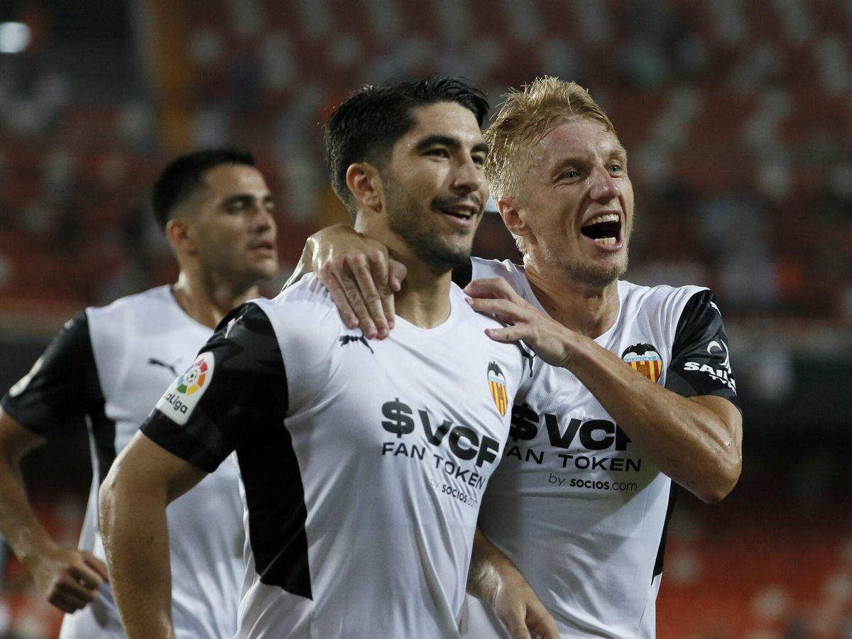 Foto: Carlos Soler celebra el gol en el partido de Liga entre el Valencia y el Getafe. (Efe)
