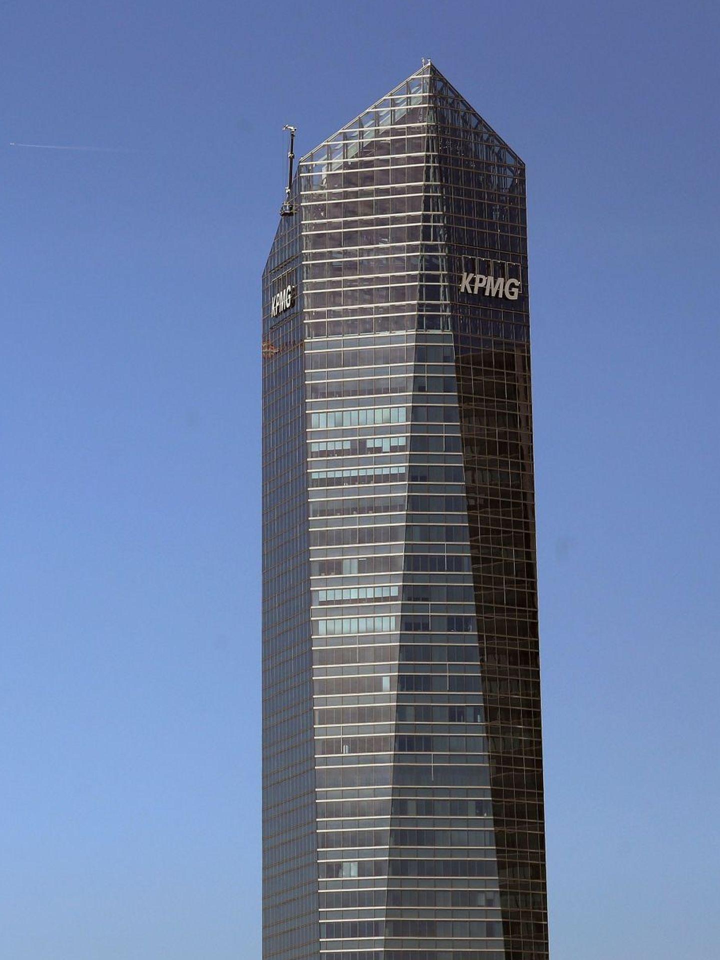 Torre Cristal, en el complejo de las cuatro torres de la Castella, en Madrid, donde tiene su sede europea Pavilion Energy. (EFE)