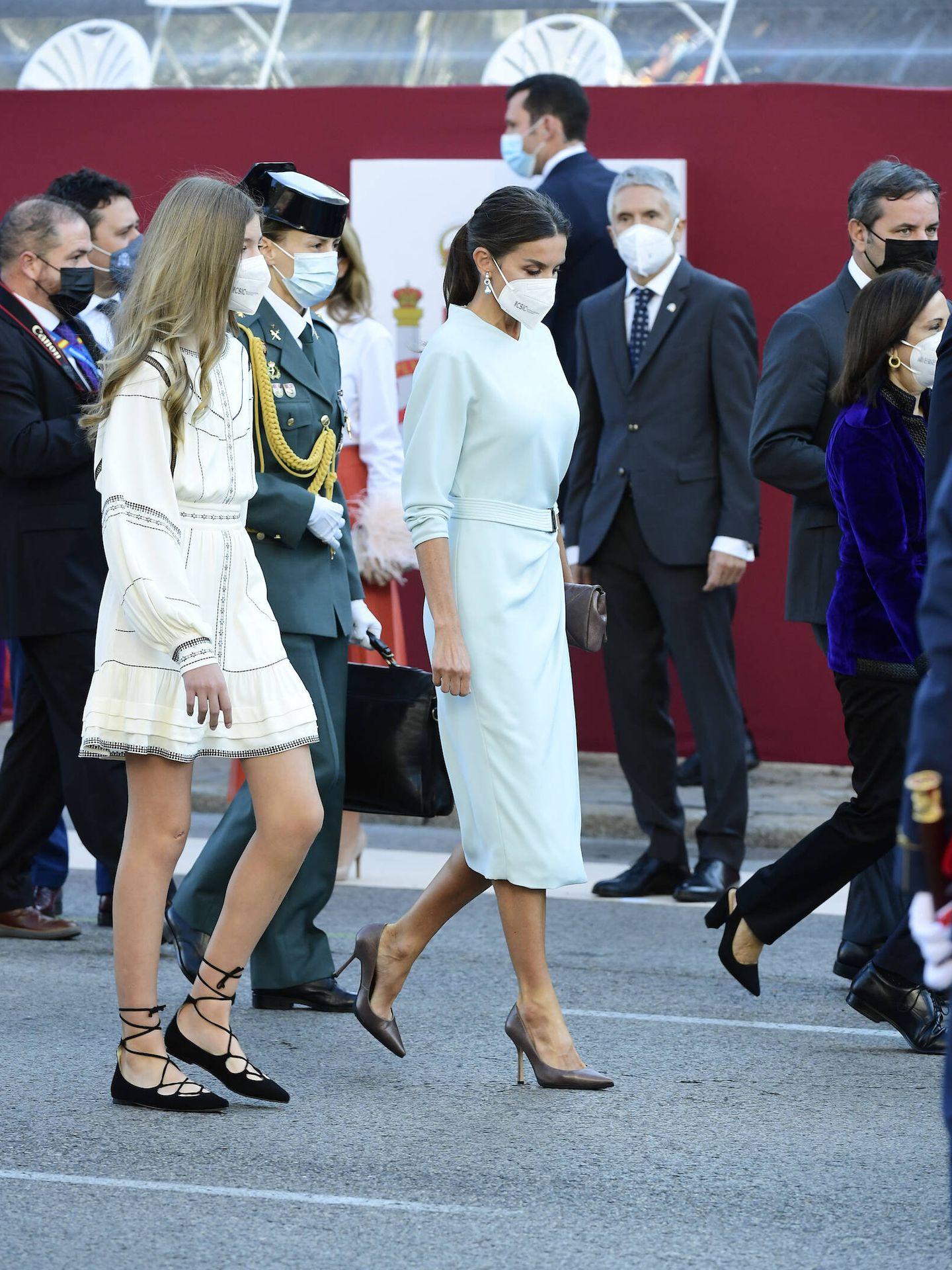 La reina Letizia y la infanta Sofía en el Día de la Fiesta Nacional. (Limited Pictures)