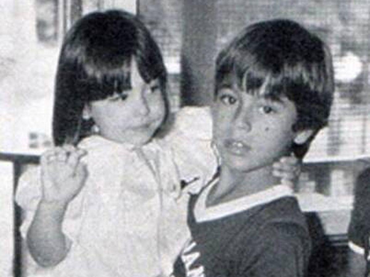 Foto: Tamara Falcó y Enrique Iglesias, en una tierna imagen infantil. (Instagram @tamara_falco)