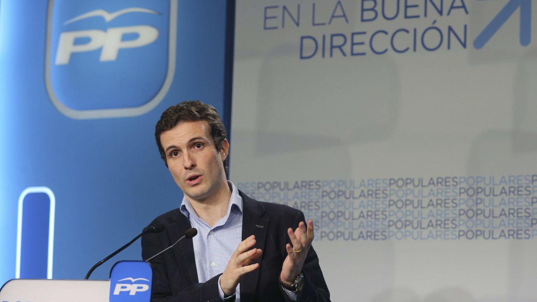 Foto: El portavoz del Comité de Campaña del Partido Popular, Pablo Casado, durante la rueda de prensa. (Efe)