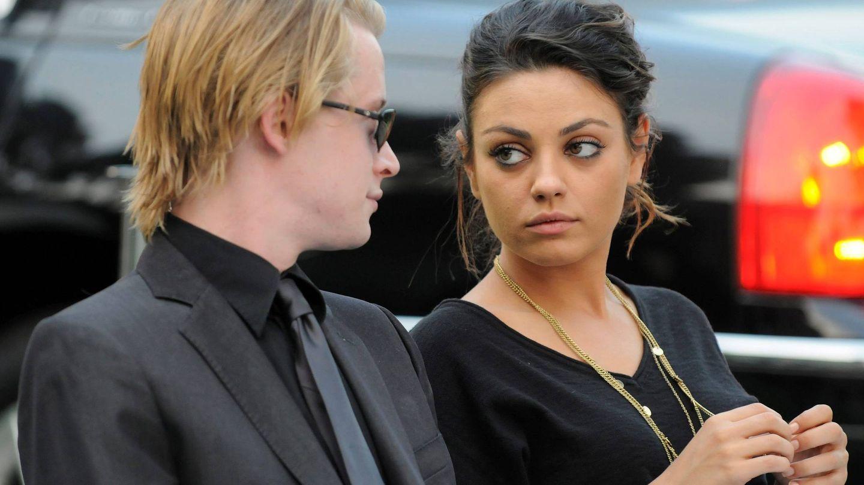 Culkin y Mila Kunis en el entierro de Michael Jackson. (EFE)