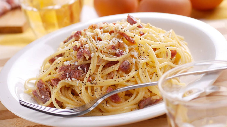 Resultado de imagen para spaghetti a la carbonara TÍPICO